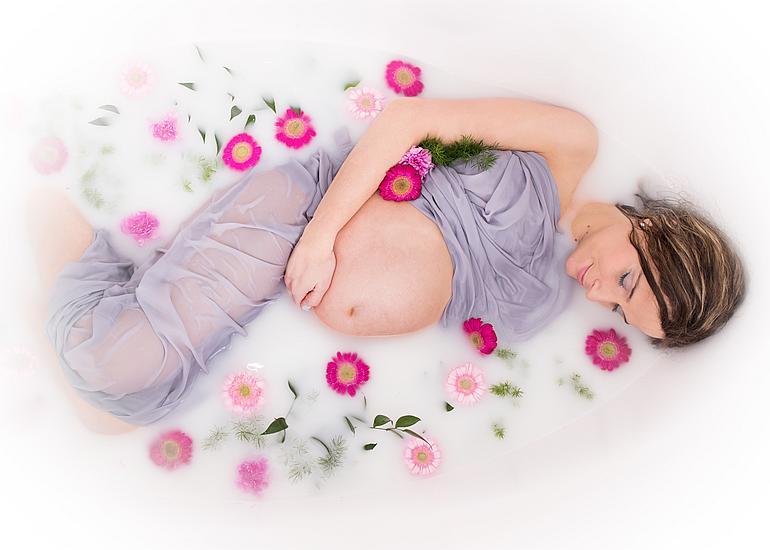 sesja ciążowa w wannie szamotuły