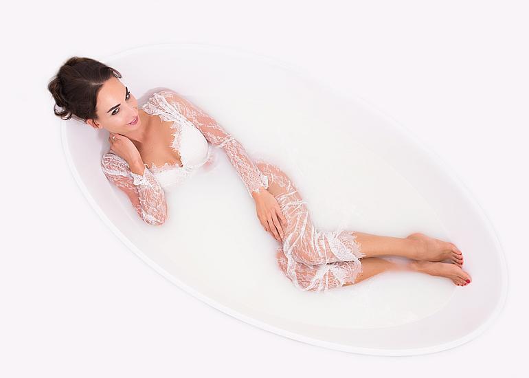 sesja kobieca w wannie